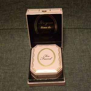 Makeup - Too faced Diamond Light Highlighter